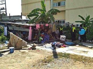 Власти Паттайи освободили от бомжей пляж Джомтьен