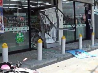 В Чон-Бури огромное колесо разгромило 7-Eleven