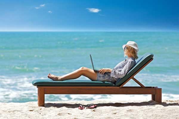Специфика фриланса в раю: 6 факторов, которые влияют на полноценность работы
