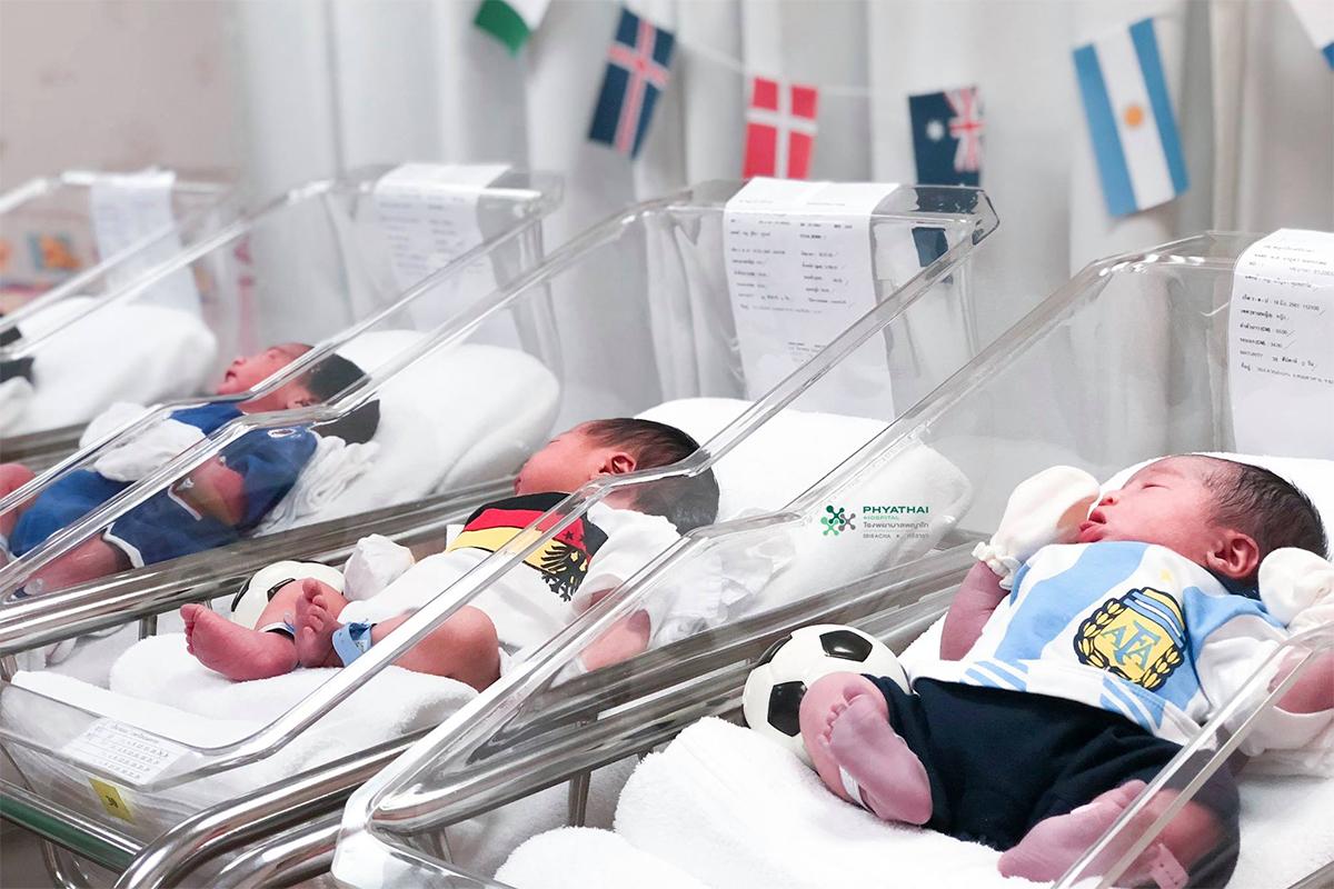 Младенцы Кубка мира: новорожденные в форме футбольных команд Чемпионата