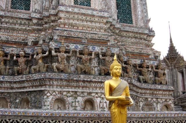 Бангкок осветит Ват Арун зеленым светом в рамках Глобальной программы озеленения 2021 года