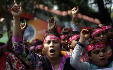 Азиатские швейные работники требуют повышения зарплат
