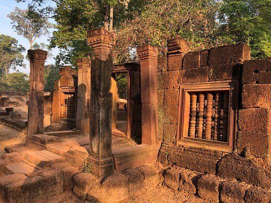 Бантеайсрей Banteay Srei