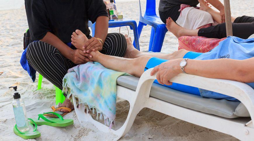 С пляжей Паттайи выгонят нелегальных массажистов