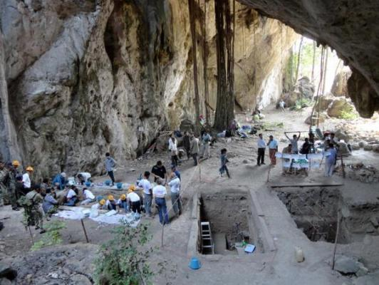 Доисторические раскопки в в Камбодже в пещере Лаанг Спеан