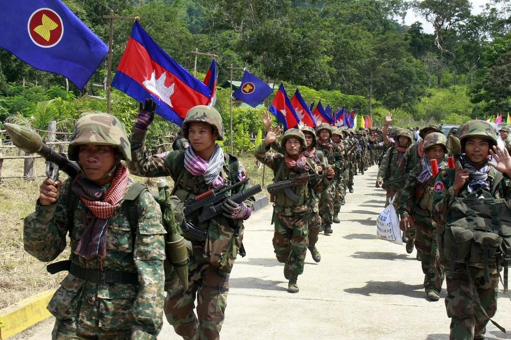 В Камбодже призвали армию для вакцинации населения