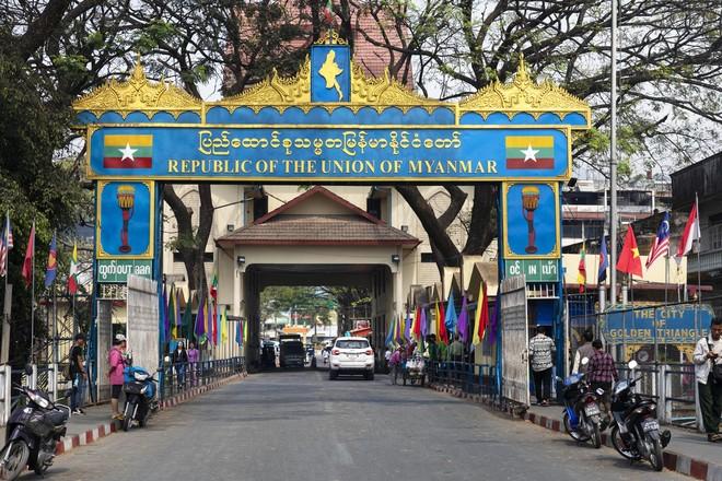 Таиланд усилил погранконтроль из-за нелегалов с коронавирусом