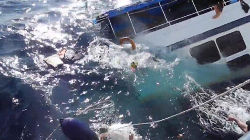 В Таиланде с тонущего катера спасли более 20 китайских туристов