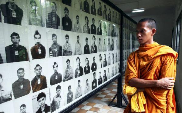 В столице Камбоджи открыли мемориальный комплекс, посвящённый жертвам режима Пол Пота