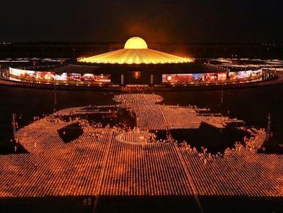 В Таиланде в День Земли для спасения климата зажгли 300 тыс. свечей