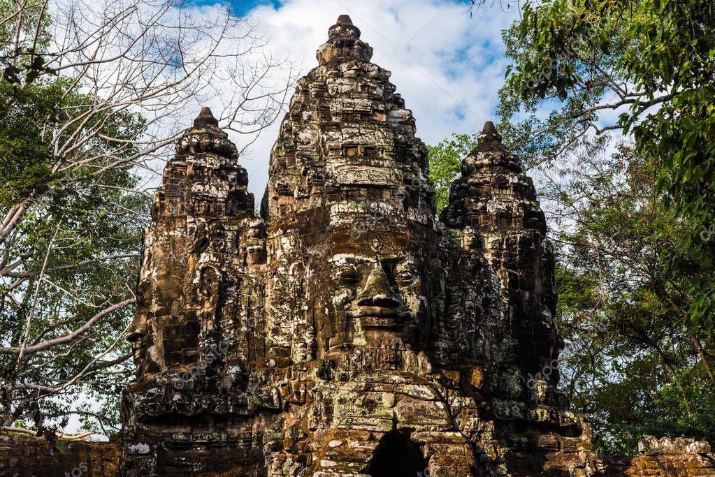 Посещаемость археологического парка Ангкор в Камбодже снизилось с начала года на 12%