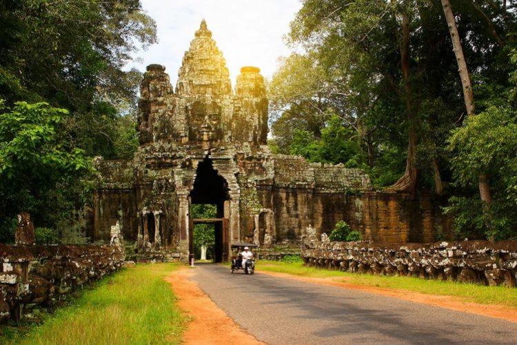 Министерство туризма Камбоджи анонсировало снятие запретов