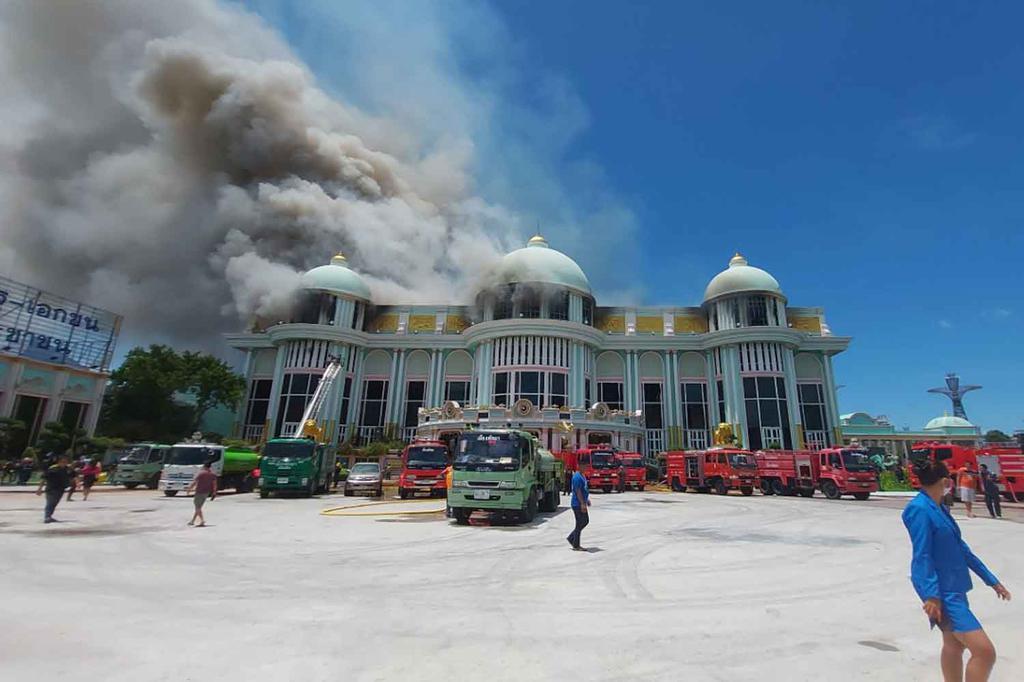 В Паттайе загорелась главная туристическая достопримечательность