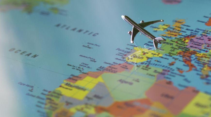 7 советов, которые помогут с легкостью перенести длительный перелет