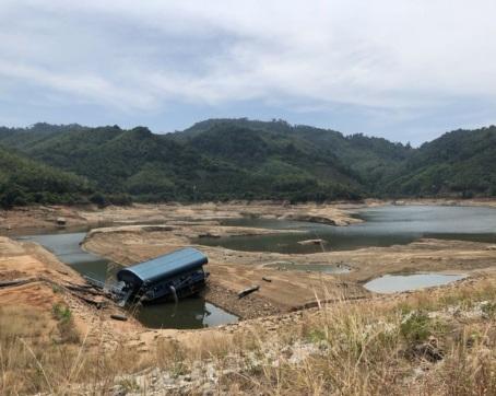 От губернатора потребовали признать дефицит пресной воды