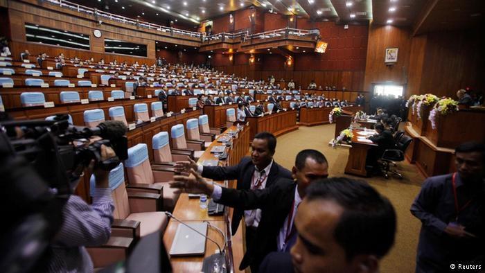 Места оппозиции в парламенте Камбоджи отданы малым партиям