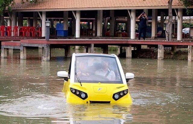 На Пхукете появился в продаже плавучий электромобиль