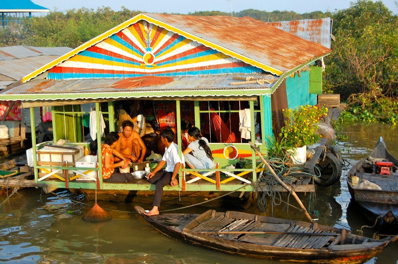 В Камбодже медики будут готовиться лечить заразившихся коронавирусом на дому