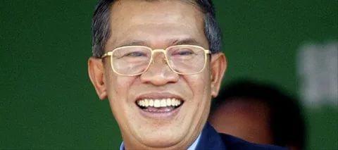 Президент Камбоджи требует убрать Корпуса Мира