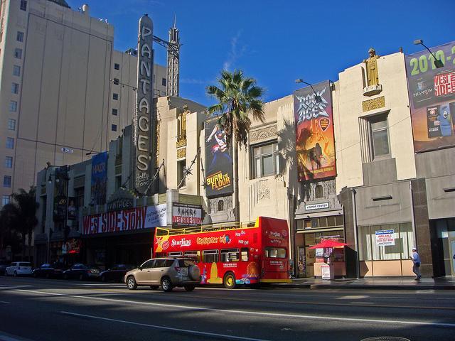 Лос-Анджелес – город с прекрасной архитектурой зданий в стиле ар–деко