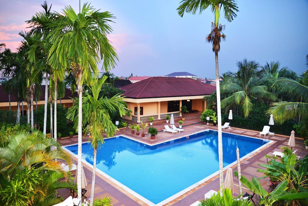 Молдаванин открыл 4-звездочный отель в Камбодже