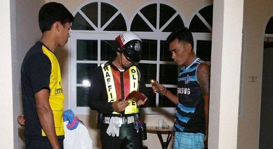 Два бирманца погибли от удара током в душе гостиницы в Раваи