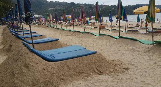 Мэр Патонга не нашла средства против песчаных лежаков