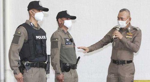Тайская полиция тестирует новую униформу