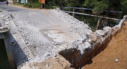 Мост у регги-бара на Най-Харне починят не раньше мая