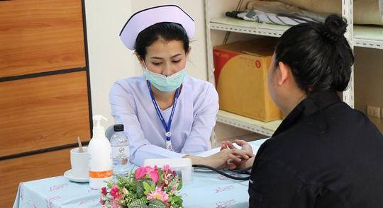 Vachira Hospital переходит на прием ряда пациентов только по направлениям из других больниц