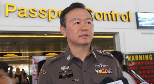 Генерал Проусунторн: Проблема очередей в аэропорту Пхукета решена