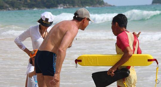 Отбойные течения на пляжах Пхукета