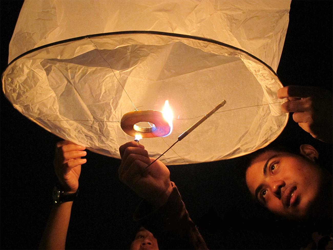 Фестивали Лой Кратонг и Ий Пенг начинаются в Чианг Мае