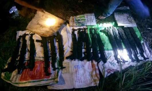 16 автоматов АК-47 нашли на пальмовой плантации в Таиланде