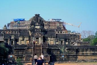 Ангкор - самый огромный религиозный монумент в мире