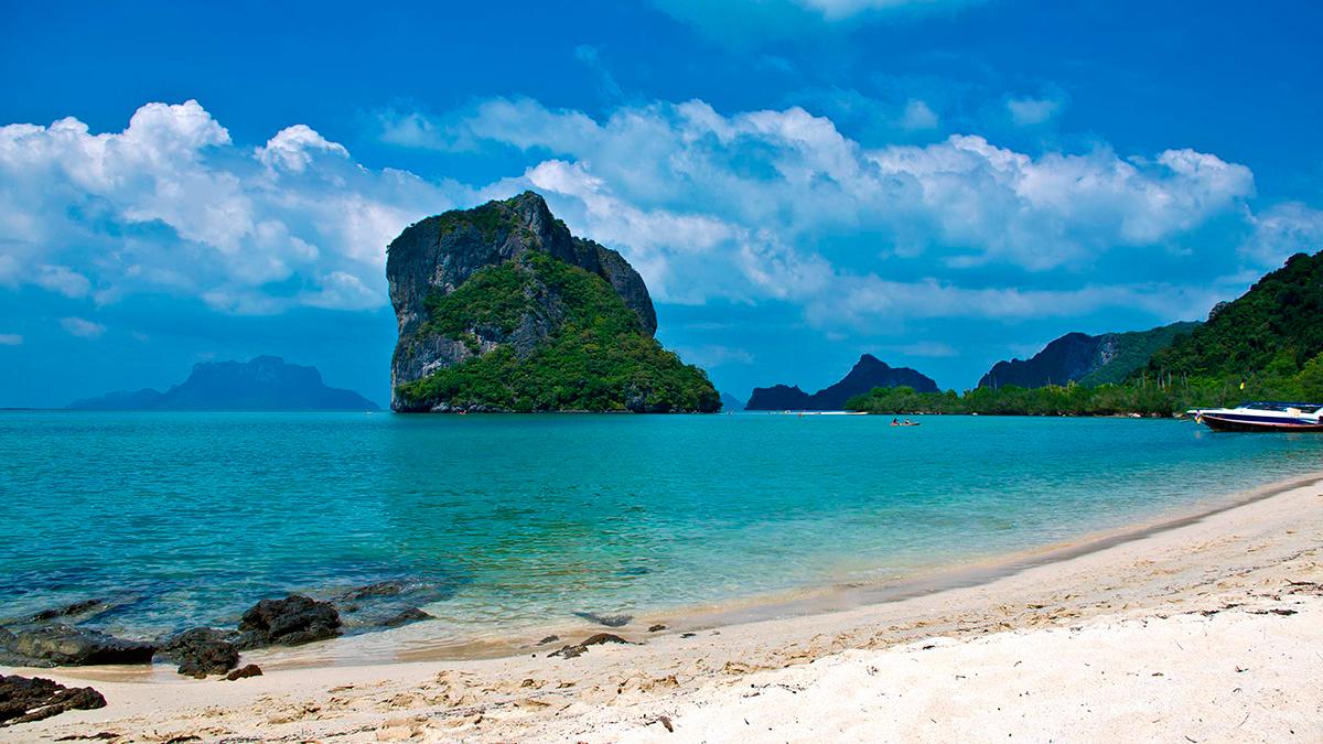 Власти Таиланда раскрыли планы по открытию курортов для иностранцев