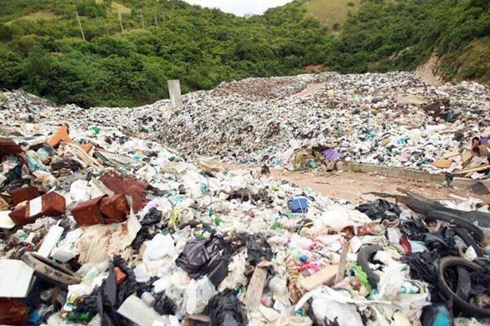 Мусорный кризис на Ко-Лане можно решить, ограничив число туристов