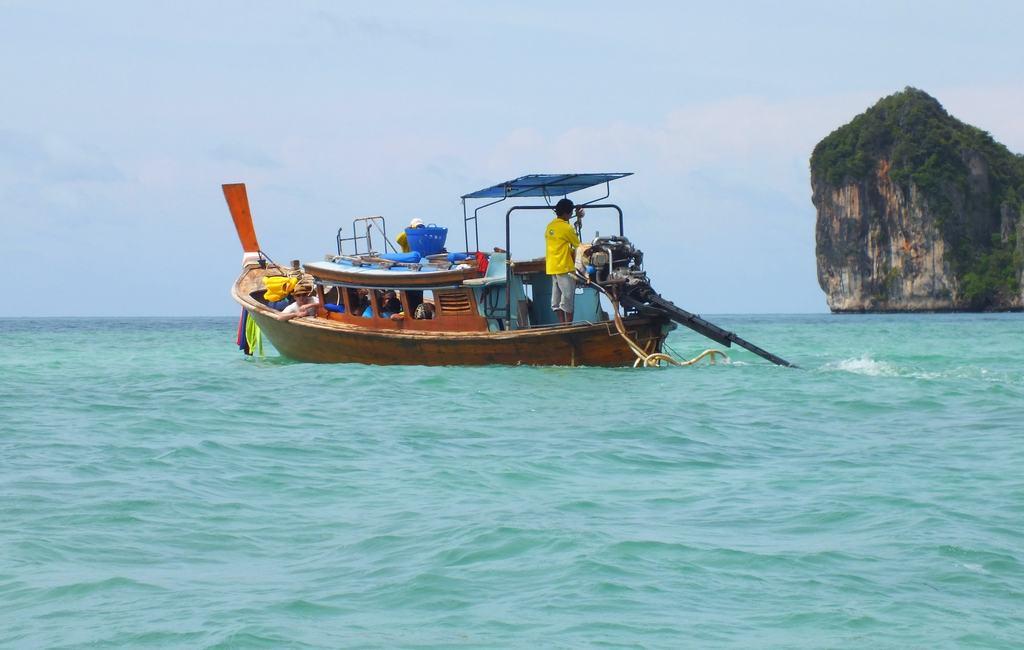 Почти 10 иностранных туристов пострадали в результате пожара в отеле на острове в Таиланде