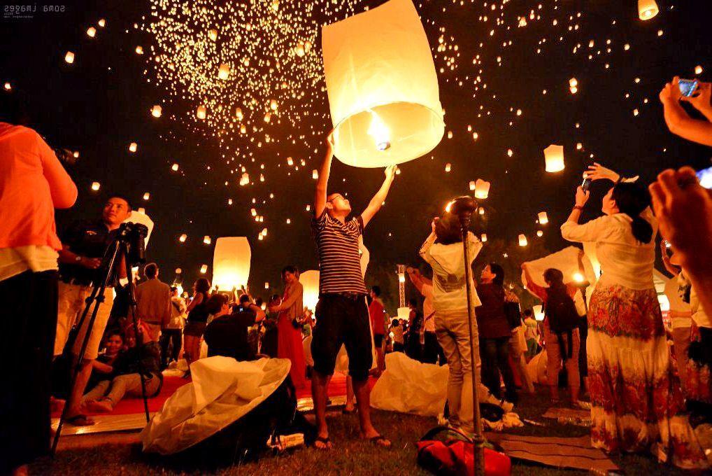 В Таиланде сорвали установление рекорда по запуску воздушных фонариков