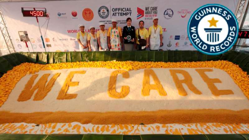 Таиланд побил мировой рекорд Гиннесса по величине порции с беспрецедентным 4-тонным блюдом манго с клейким рисом. На банкете было подано блюдо общим весом 4 000 – 4 500 кг, на которое ушло 1 360 кг клейкого риса с 6 000 кг манго