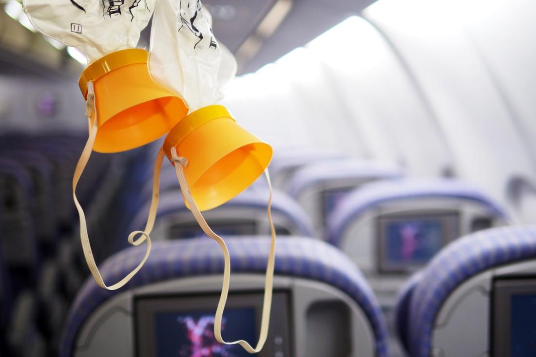 На рейсе Москва-Пхукет туристов напугали кислородными масками и разгерметизацией