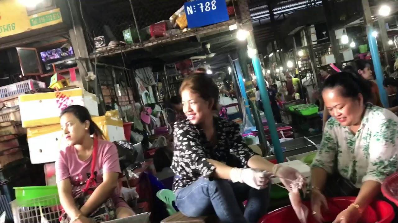 В Камбодже будут штрафовать за «неподобающую» одежду