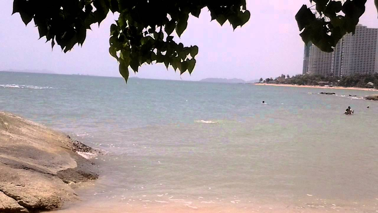 Паттайя отменила запрет на плавание в море