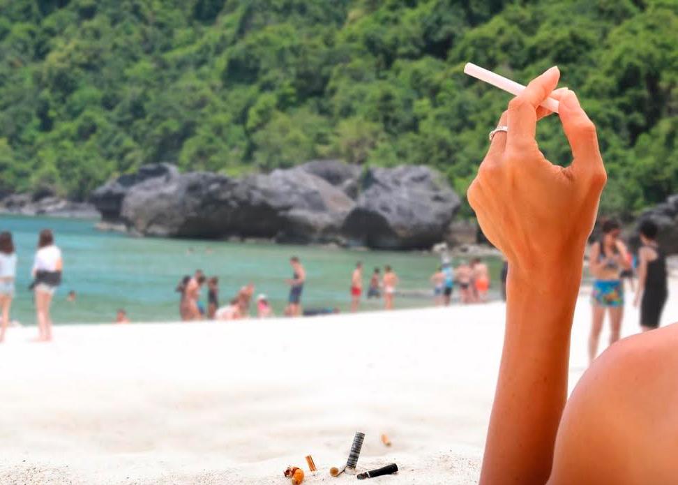 Запрет на курение на популярных пляжах Тайланда вступает в силу с 1 ноября