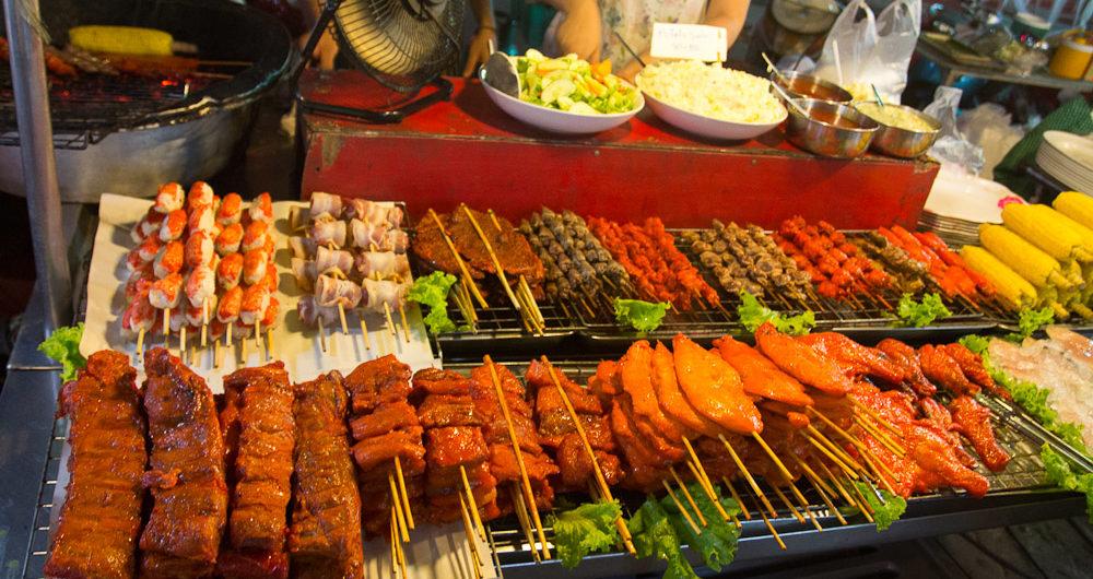 Наслаждаться едой с тайских рынков и ярмарок будет безопасно и не менее вкусно