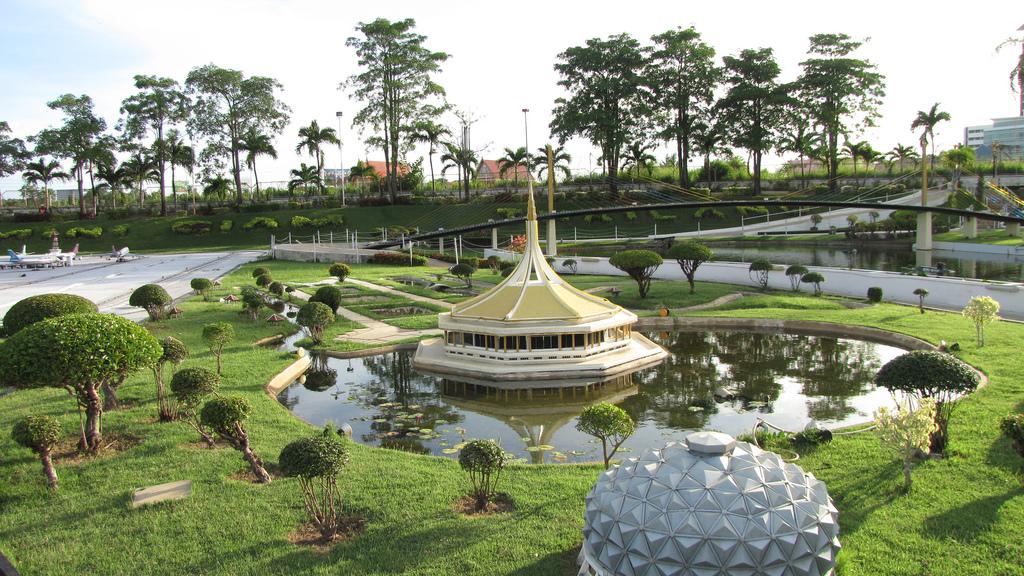 Thailand 4 Mini Siam