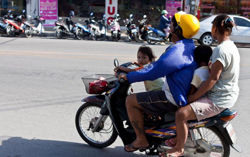 В Таиланде из-за Covid разрешили вождение с просроченными водительскими правами