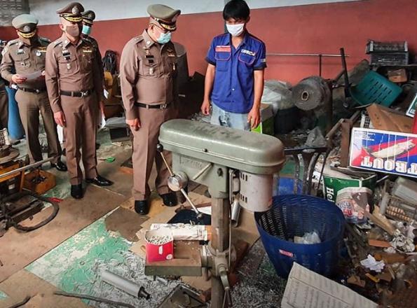В Чонбури полиция совершила рейд на фабрику мотозапчастей