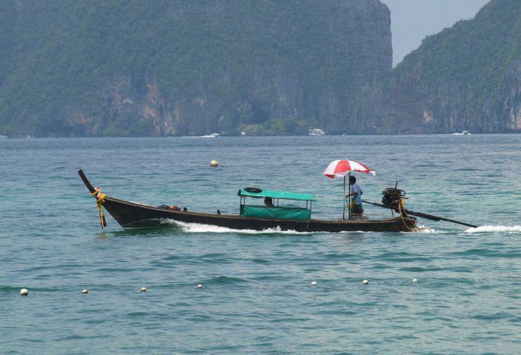 На Пхи-Пхи китаянке поранило ноги гребным винтом лодки