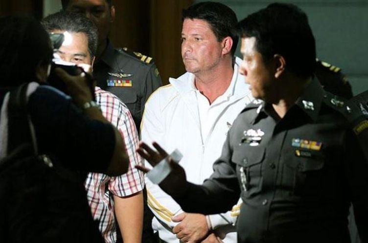 На Пхукете арестовали лже-полицейского, вымогавшего взятки